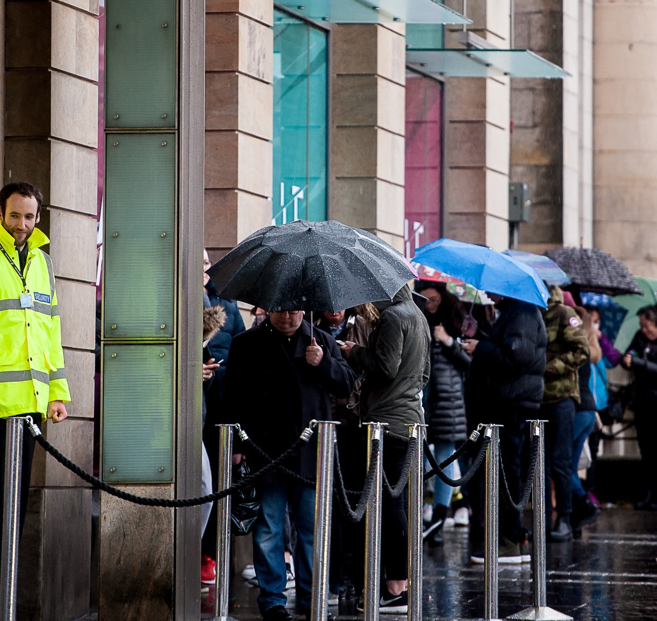 Shoppers hit the traditional Boxing Day sales in Edinburgh ((c) Wullie Marr Photography)
