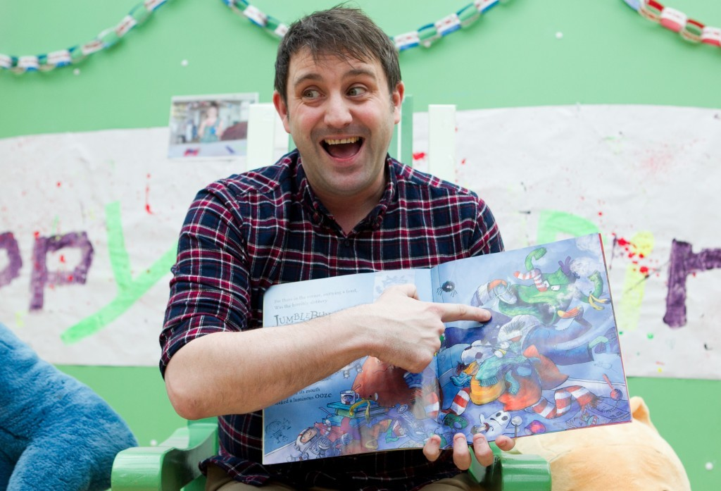 Our man Chae reading his storybooks to children at Robin House (Andrew Cawley / DC Thomson)