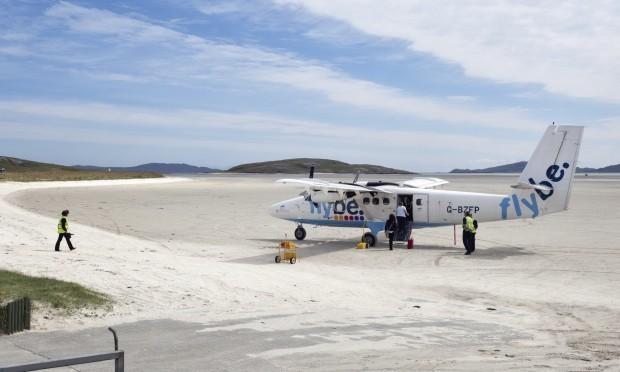 The sandy runway of Barra's airport (Andrea Ricordi)