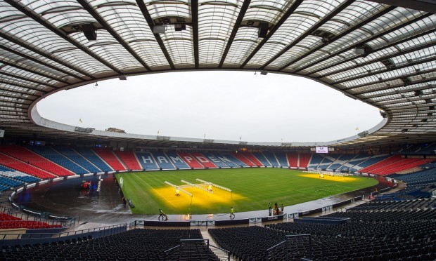 how to get to hampden park by train
