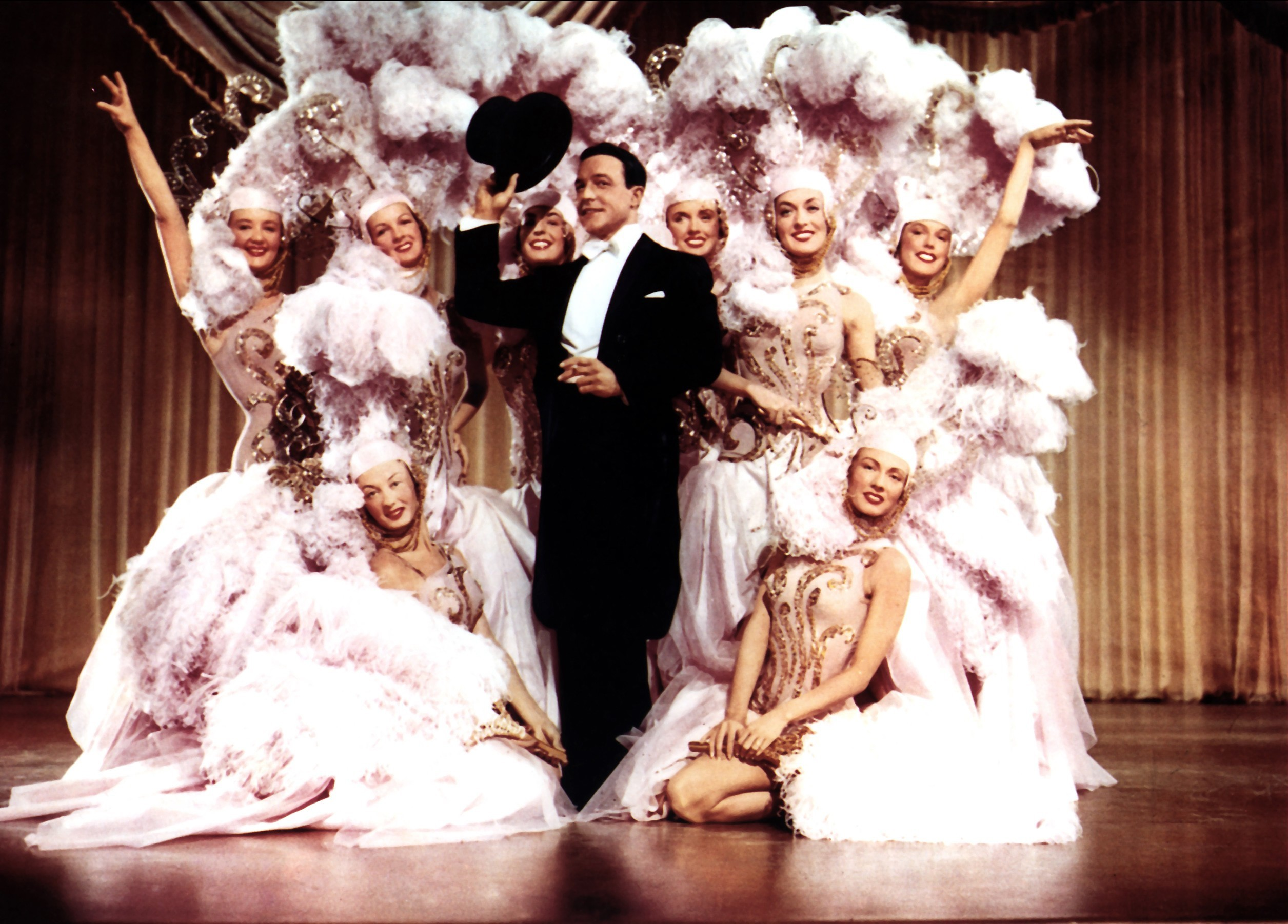 Gene Kelly and dancers (Allstar/MGM)