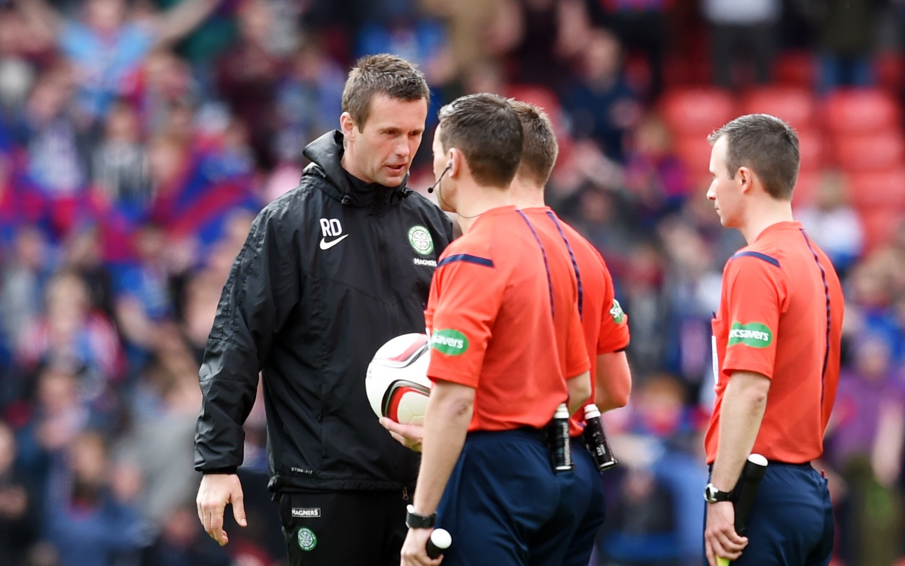 Ronny Deila confronts Steven McLean after the game a year ago (SNS Group)