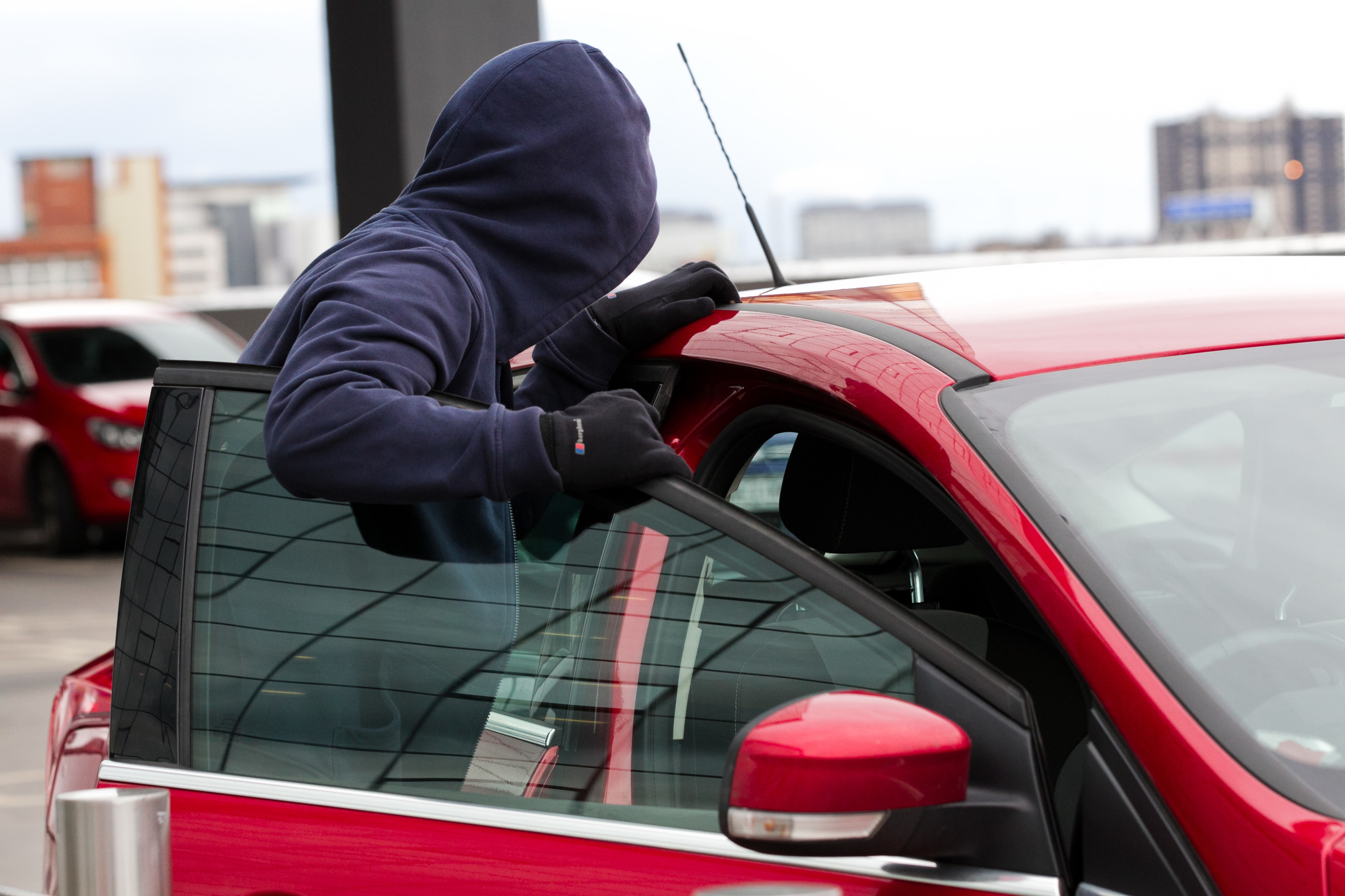 15 gadget allows car thieves to steal vehicles in seconds