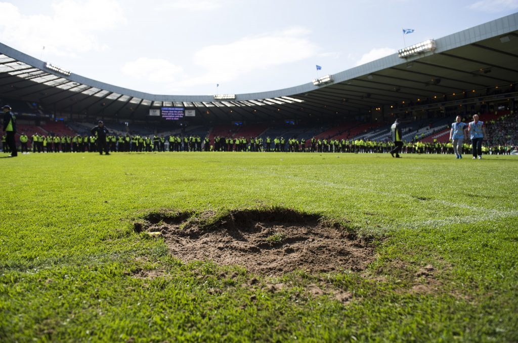 Sections of the pitch were ripped up (SNS Group)