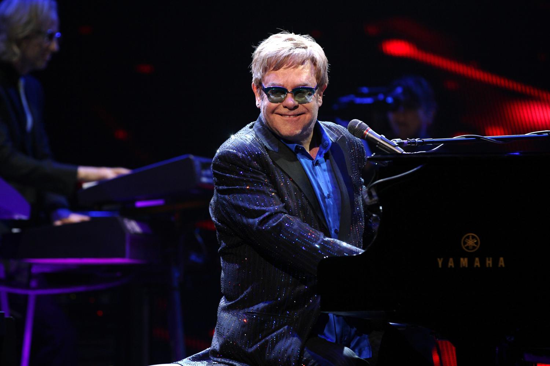Elton John (Melanie Escombe)
