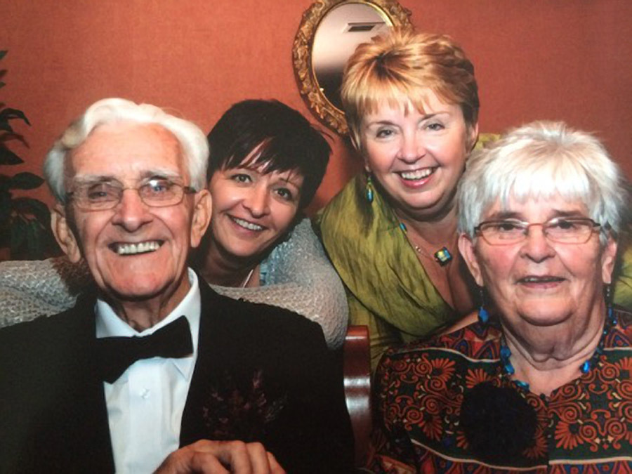 Jim, daughter Yvonne, daughter Lorraine, Ina
