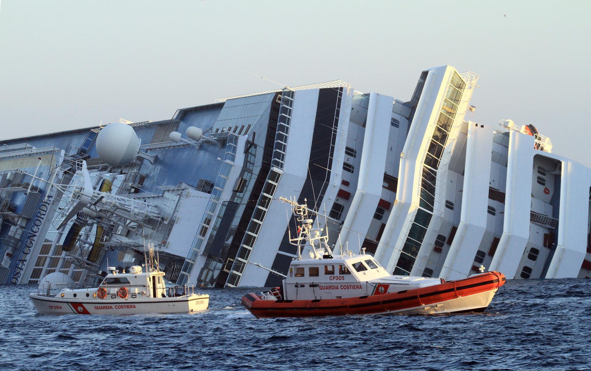 Costa Concordia (AP)