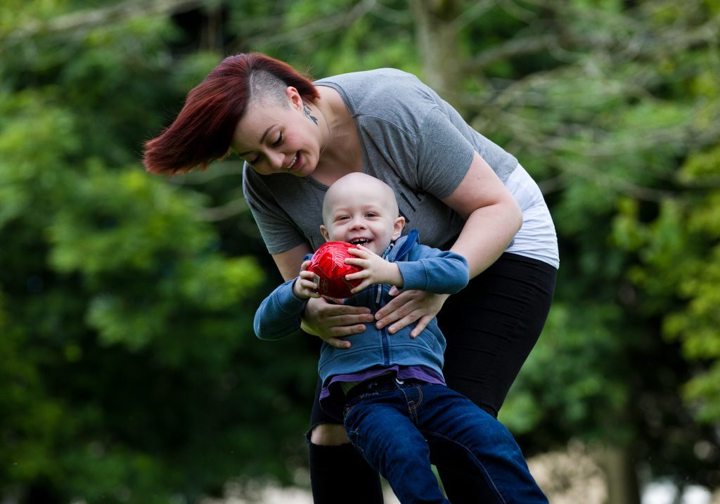 Quinn with mum Janine (Andrew Cawley / DC Thomson)
