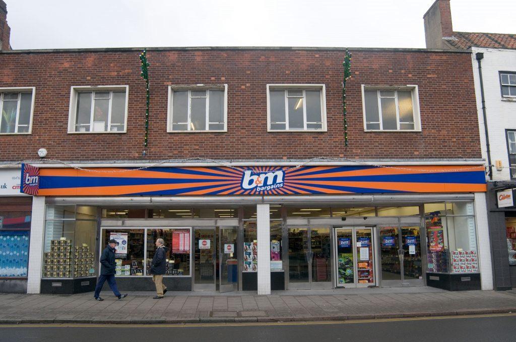 B&M (Alamy)