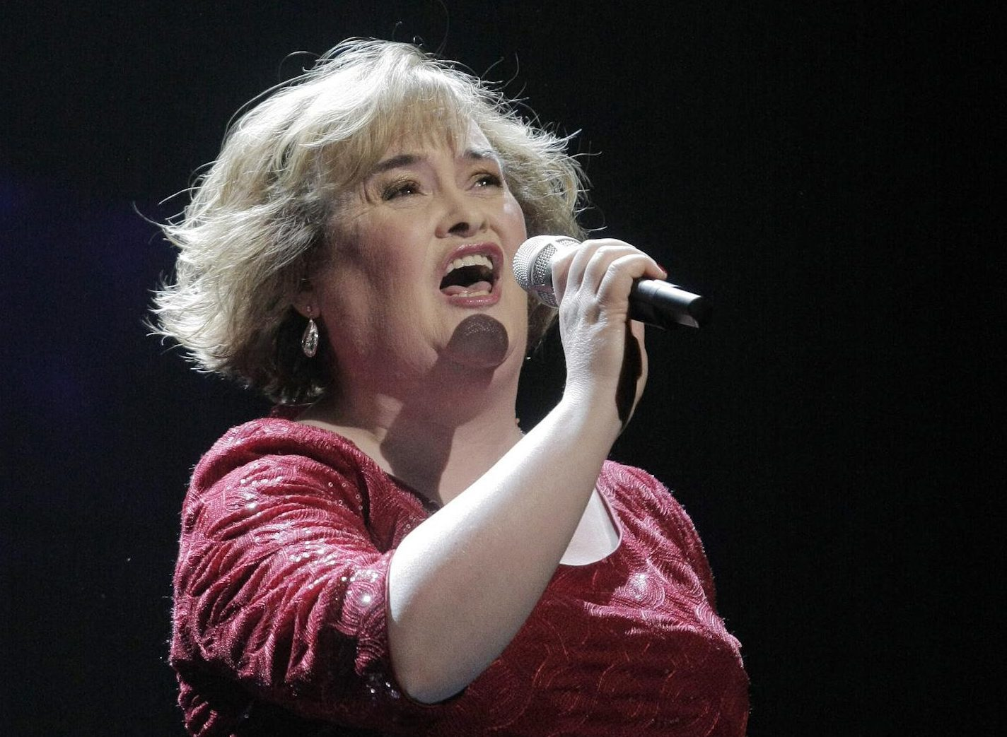 new susan boyle album will feature 39 virtual duet 39 with nat king cole sunday post. Black Bedroom Furniture Sets. Home Design Ideas