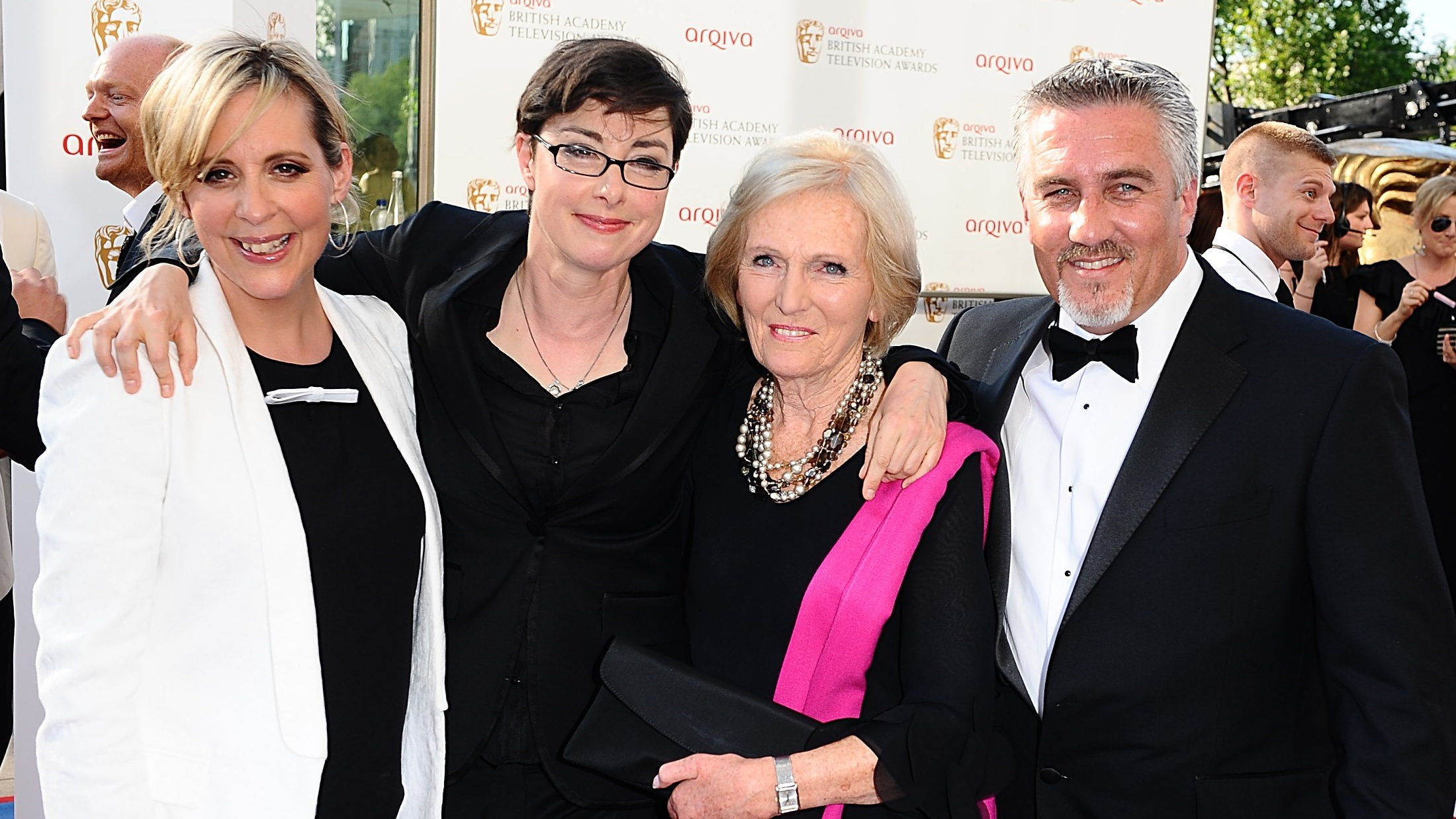 Hosts Mel and Sue with Hollywood and Berry (PA)