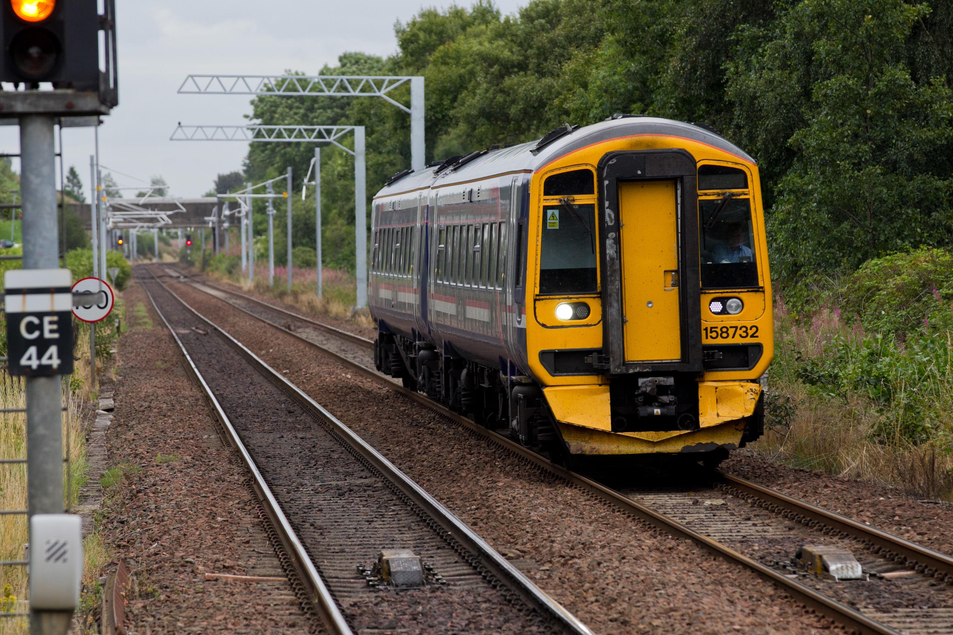 Glasgow to Edinburgh train line (Andrew Cawley / DC Thomson)