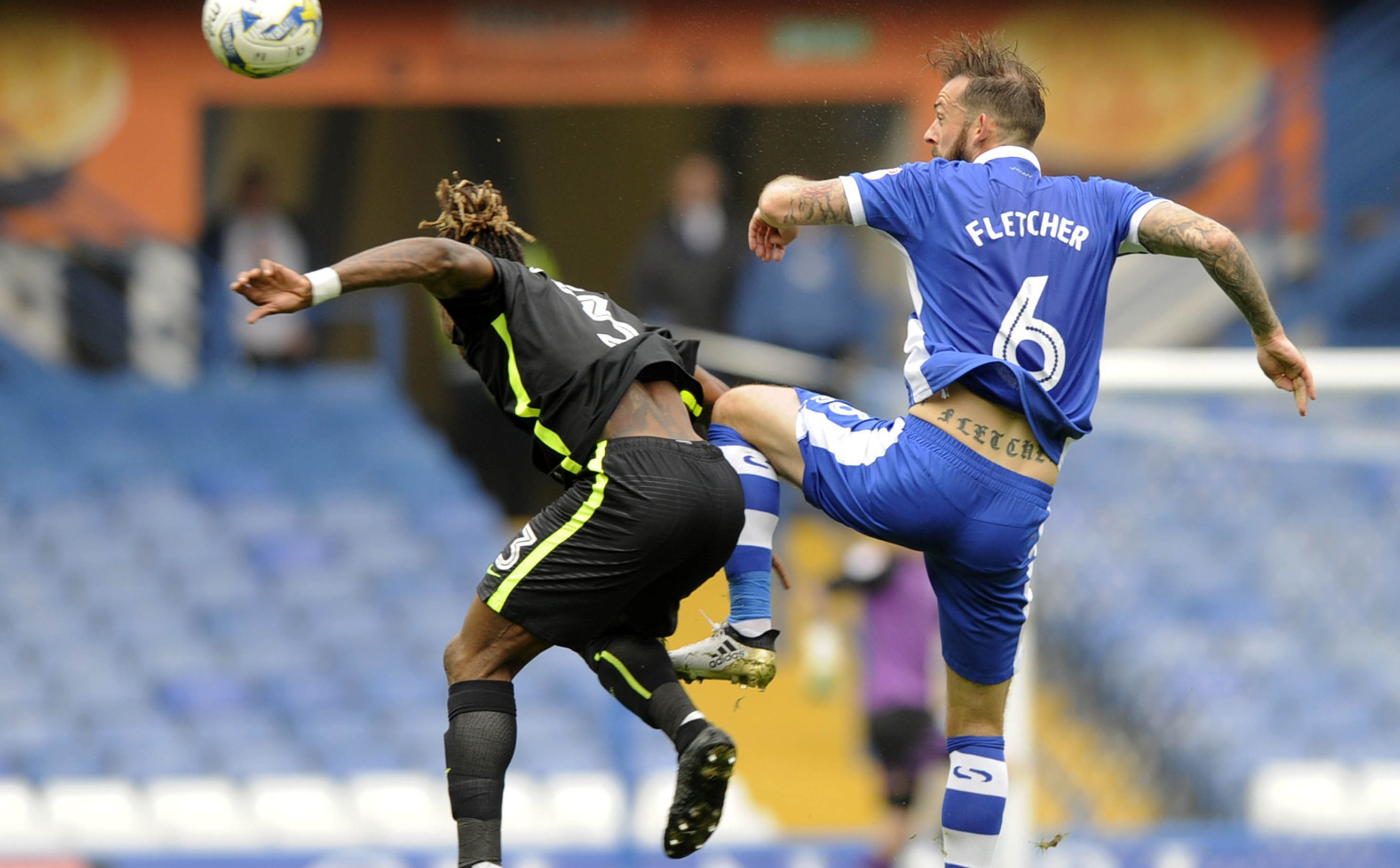 Steven Fletcher (right) in action for the Owls (Steve Ellis)
