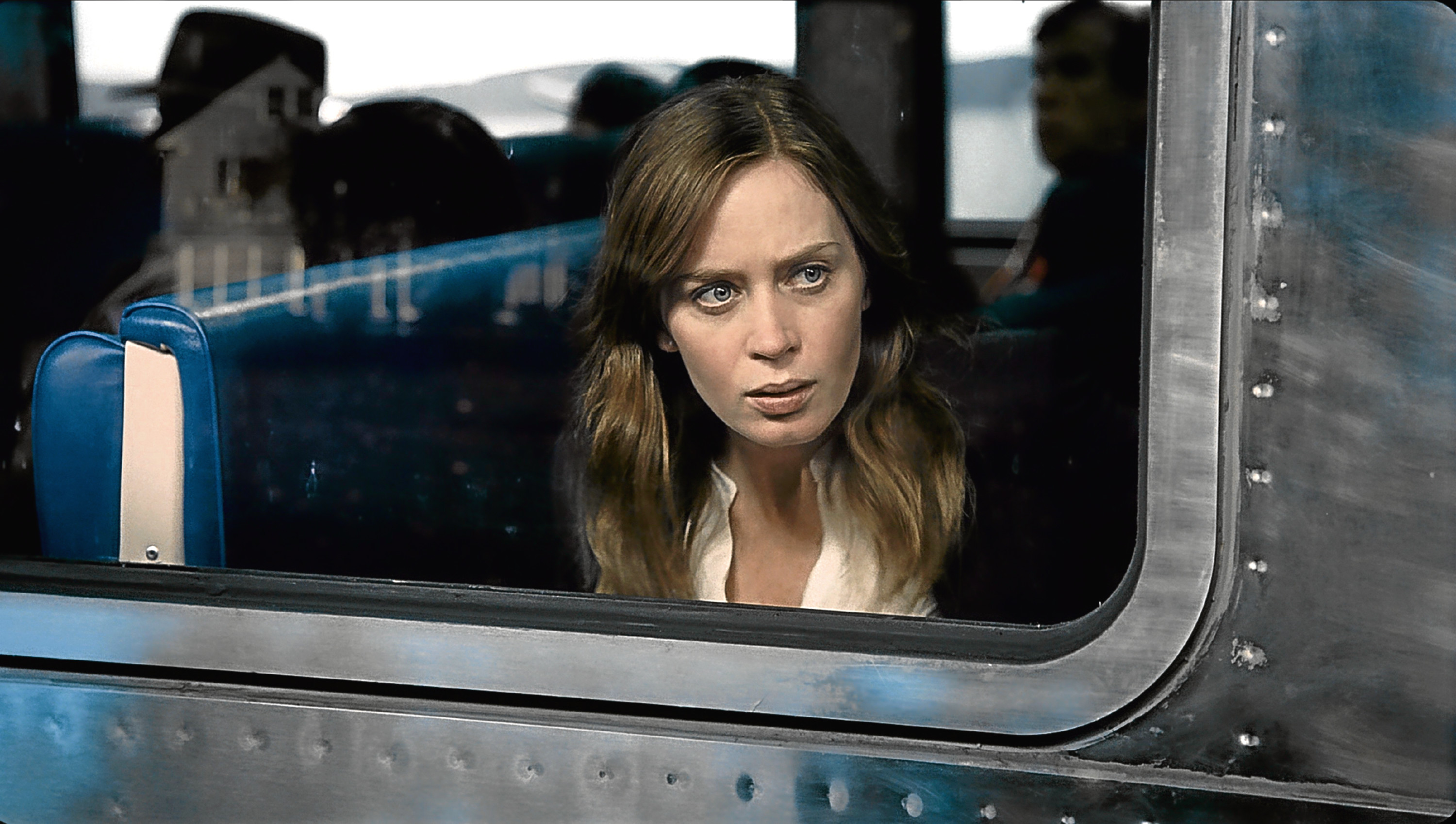 EMILY BLUNT Character(s): Rachel Watson Film 'THE GIRL ON THE TRAIN' (2016) Directed By TATE TAYLOR 05 October 2016 SAQ64312 Allstar/DREAMWORKS SKG  (USA 2016)  **WARNING** This Photograph is for editorial use only and is the copyright of DREAMWORKS SKG  and/or the Photographer assigned by the Film or Production Company & can only be reproduced by publications in conjunction with the promotion of the above Film. A Mandatory Credit To DREAMWORKS SKG is required. The Photographer should also be credited when known. No commercial use can be granted without written authority from the Film Company.