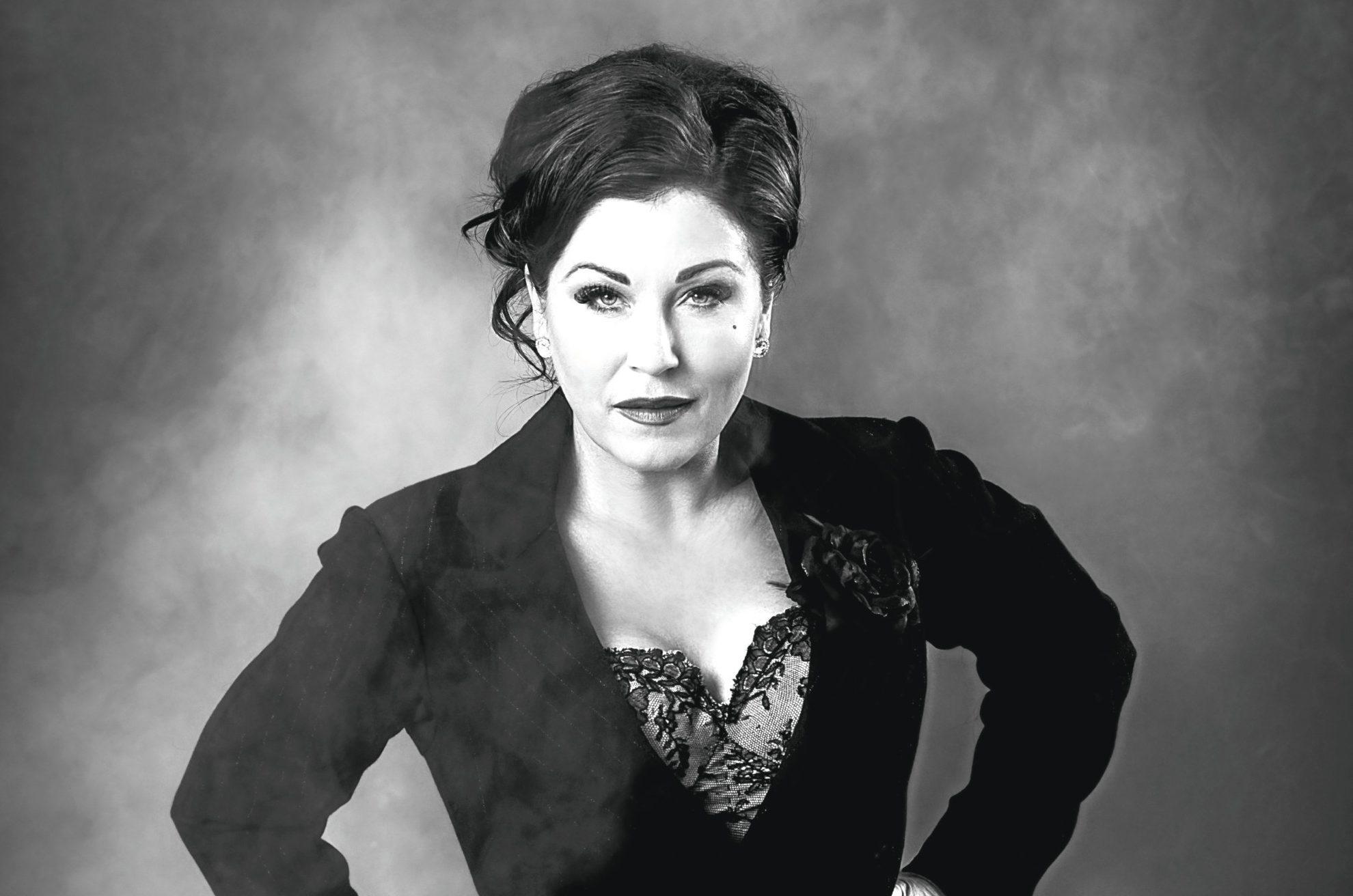 Jessie Wallace as 'Mama Morton'