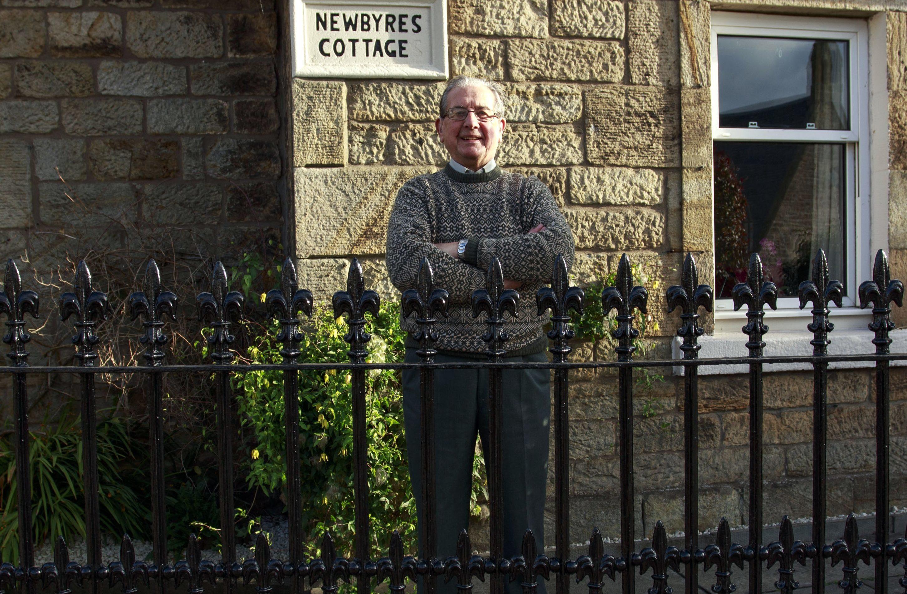 Peter Maher (Alan Simpson)