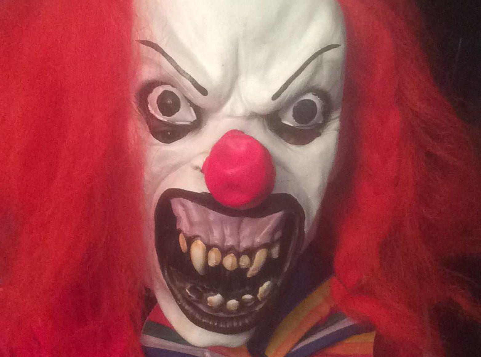 """Killer clown"" craze (DC Thomson)"