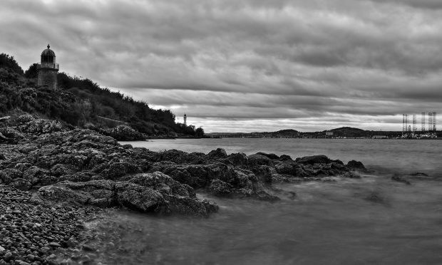 The treacherous coast in Tayport where the drama for Peter Beckett and his two pals unfolded (Richard Prest / DC Thomson)
