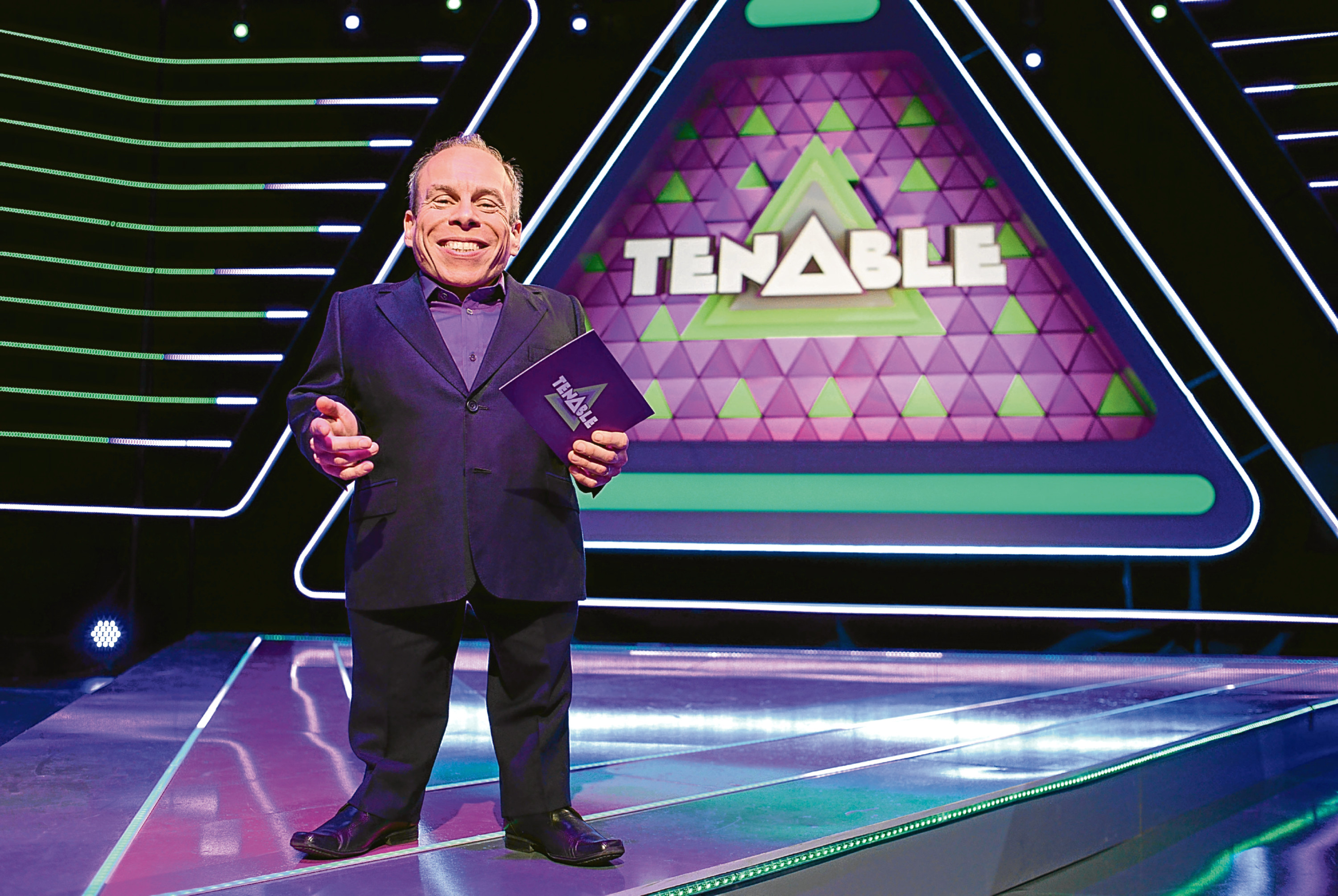 Tenable Host Warwick Davis © Endermol Productions