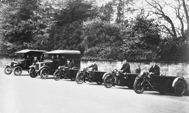 'Horsham Fleet of Motors, 1931' (Royal Mail)