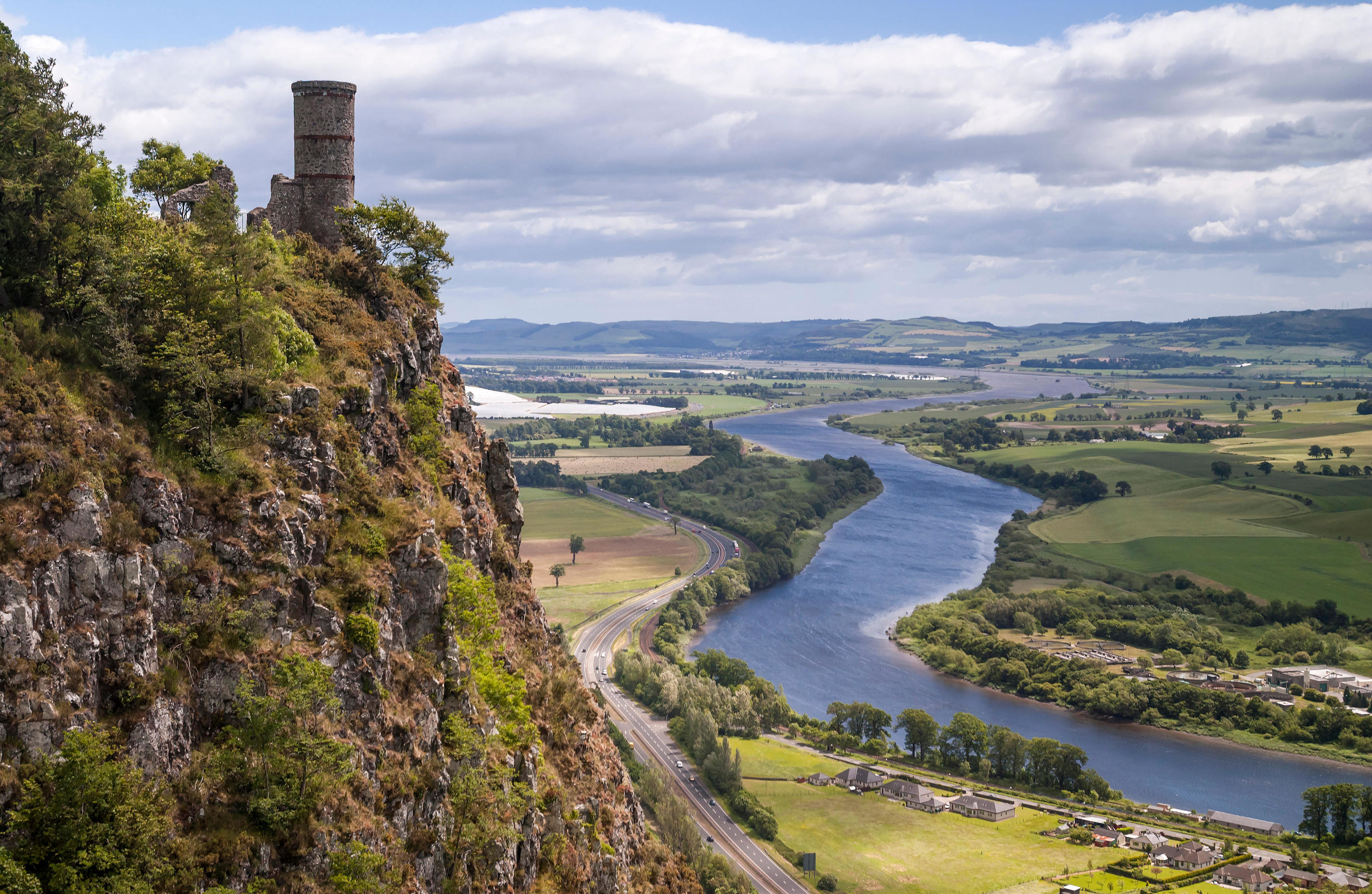 Kinnoull Hill and castle with the River Tay, Perthshire (Alamy)