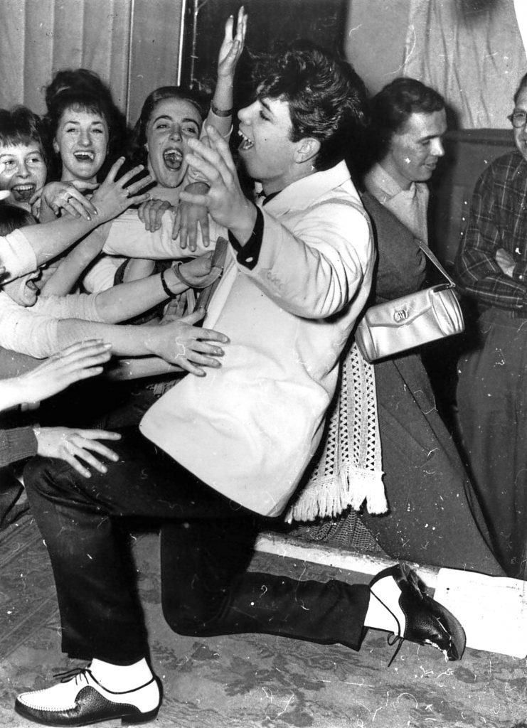 Already a star at nineteen years old, Cliff sends his fans wild with his dancing. (Keystone/Getty Images)