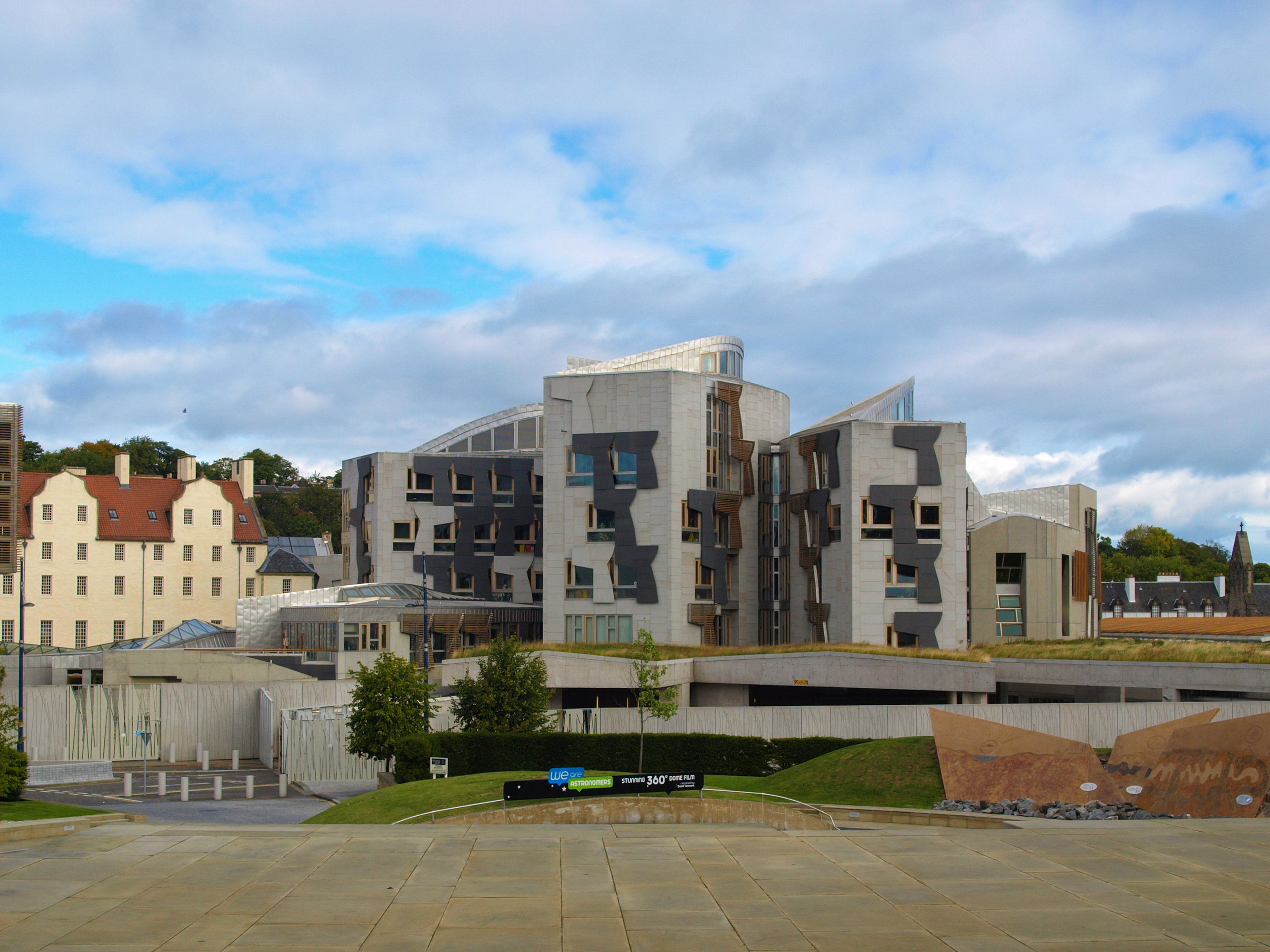Scottish Parliament has been evacuated (iStock)