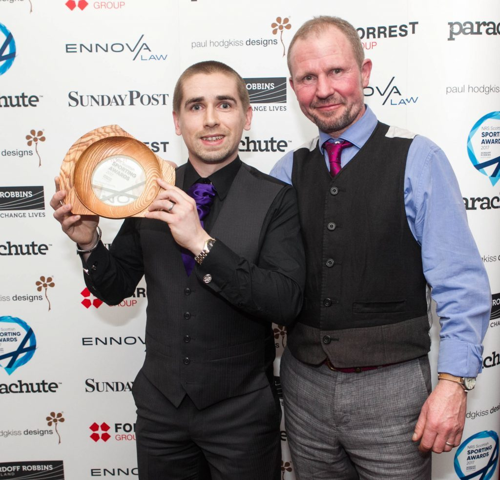 Neil Fachie wins Male Parasport Personality of the Year. Neil (left) was presented trophy by Paul Hodgkiss (Chris Austin / DC Thomson)