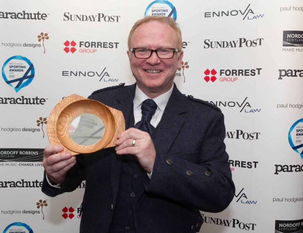 Alex McLeish with his award (Chris Austin / DC Thomson)