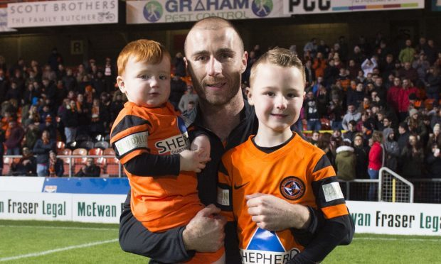 Dundee United's Sean Dillon with sons Finn (left) and Shea (SNS Group / Craig Foy)