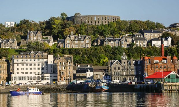 oban-town-and-mccaigs-tower.jpg