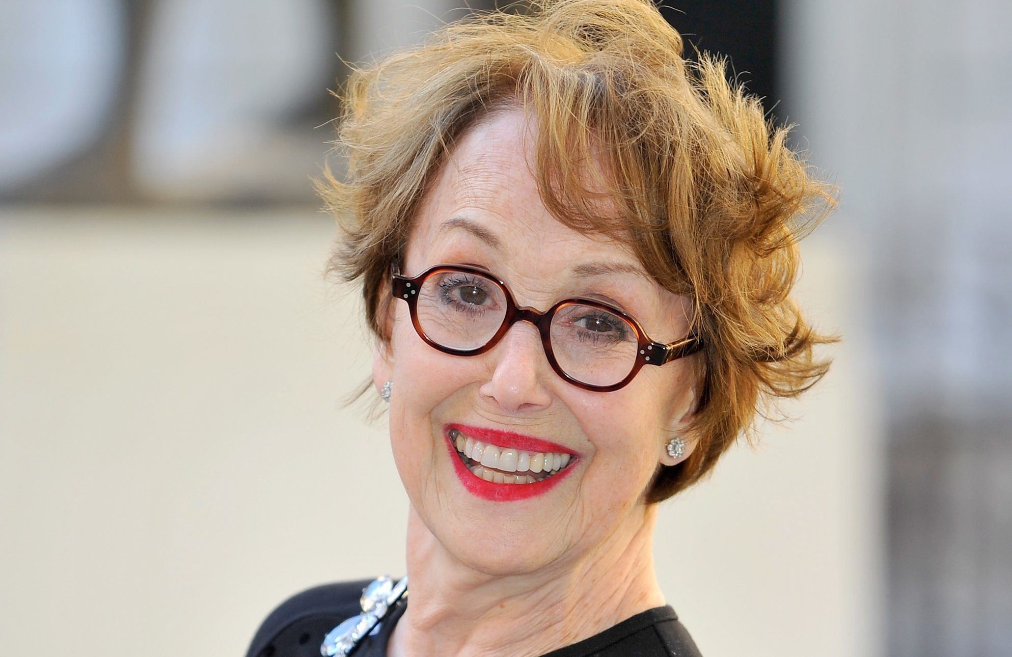 Watch Una Stubbs video