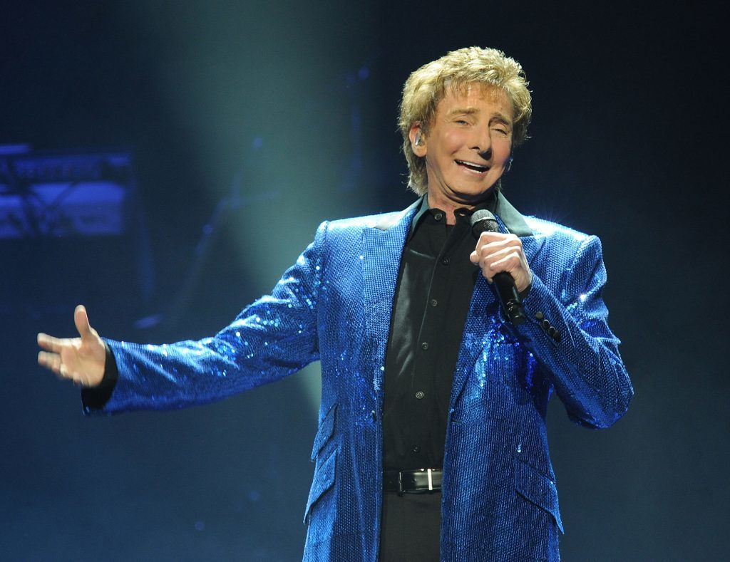 arry Manilow performs at the New Jersey Performing Arts Center (Bobby Bank/WireImage)