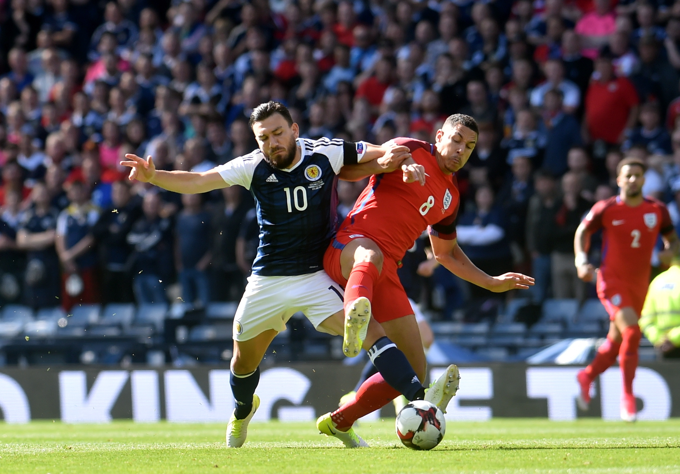 Scotland and England draw after three goals in final six minutes
