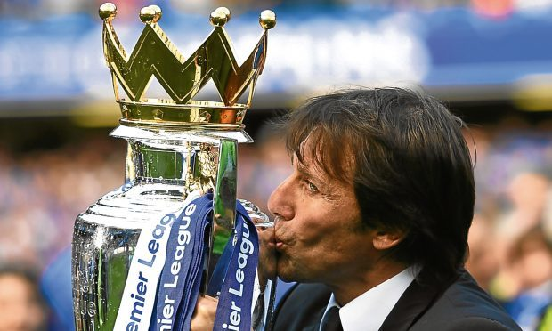 Antonio Conte with the Premier League Trophy (Shaun Botterill/Getty Images)