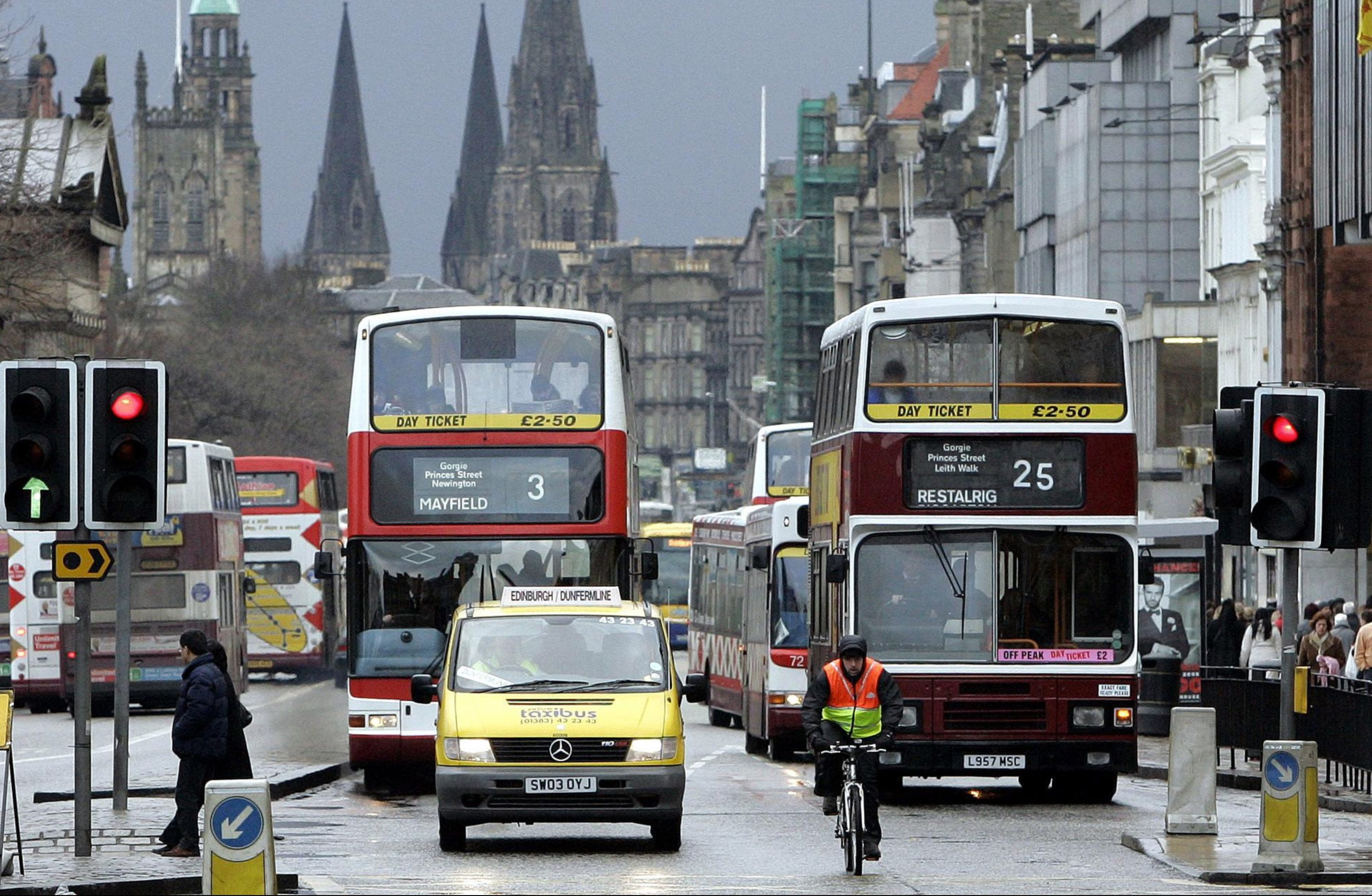 Traffic on Princes Street, Edinburgh (Andrew Milligan / PA)