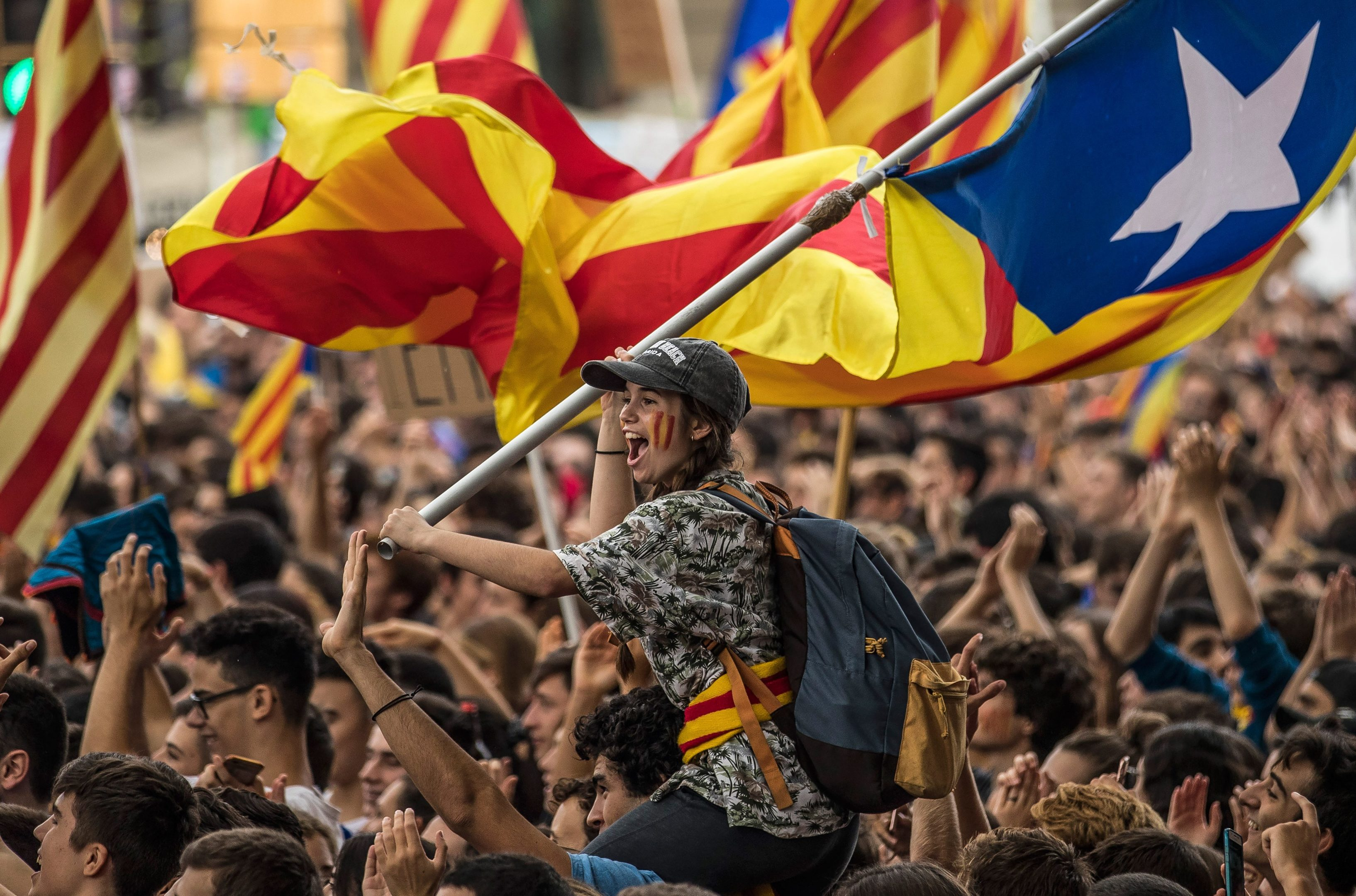 Students demonstrate against the position of the Spanish government to ban the Self-determination referendum of Catalonia during a university students strike on September 28, 2017 in Barcelona, Spain. (Dan Kitwood/Getty Images)