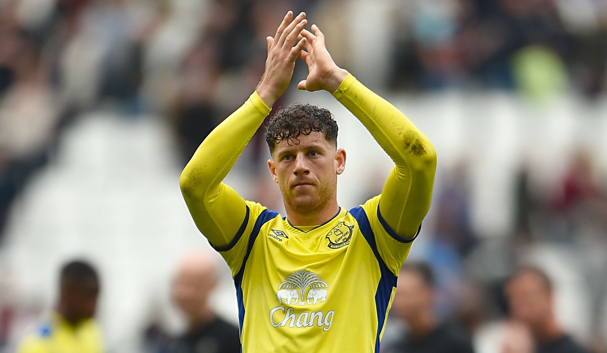 competitive price 6848a 7d92b Chelsea sign Ross Barkley from Everton in deal reported to ...