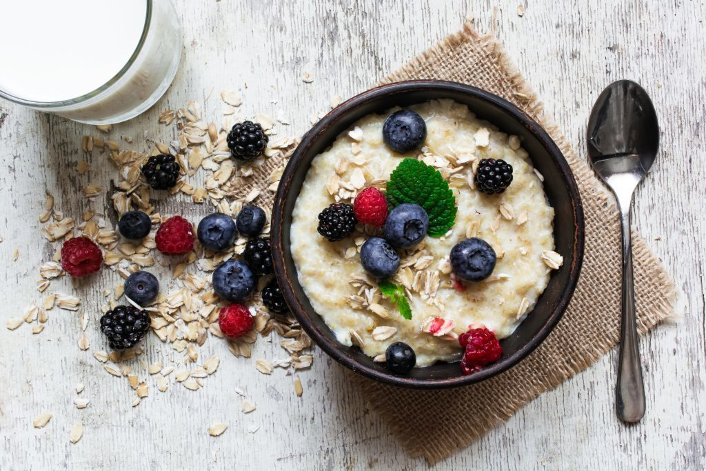 Porridge with fresh berries (iStock)