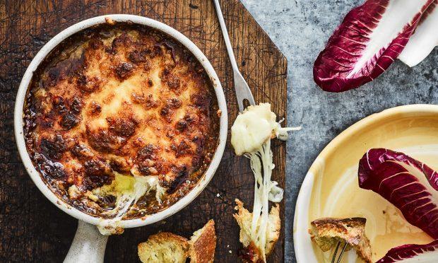 Gooey Cheese Fondue Pot