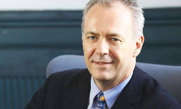 Dr Alan McDevitt (Julian Claxton)