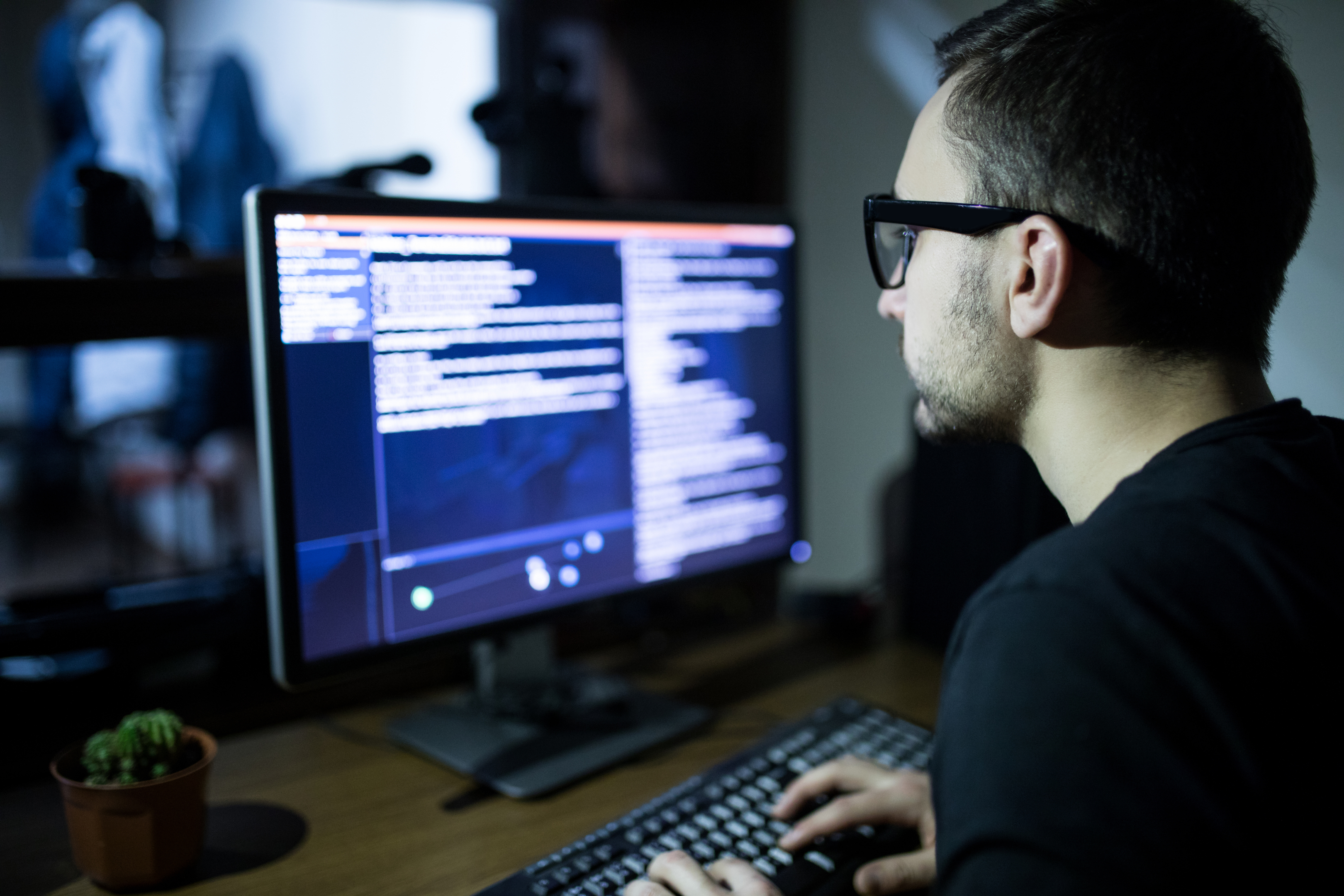 Raw Deal looks into hacking (iStock)