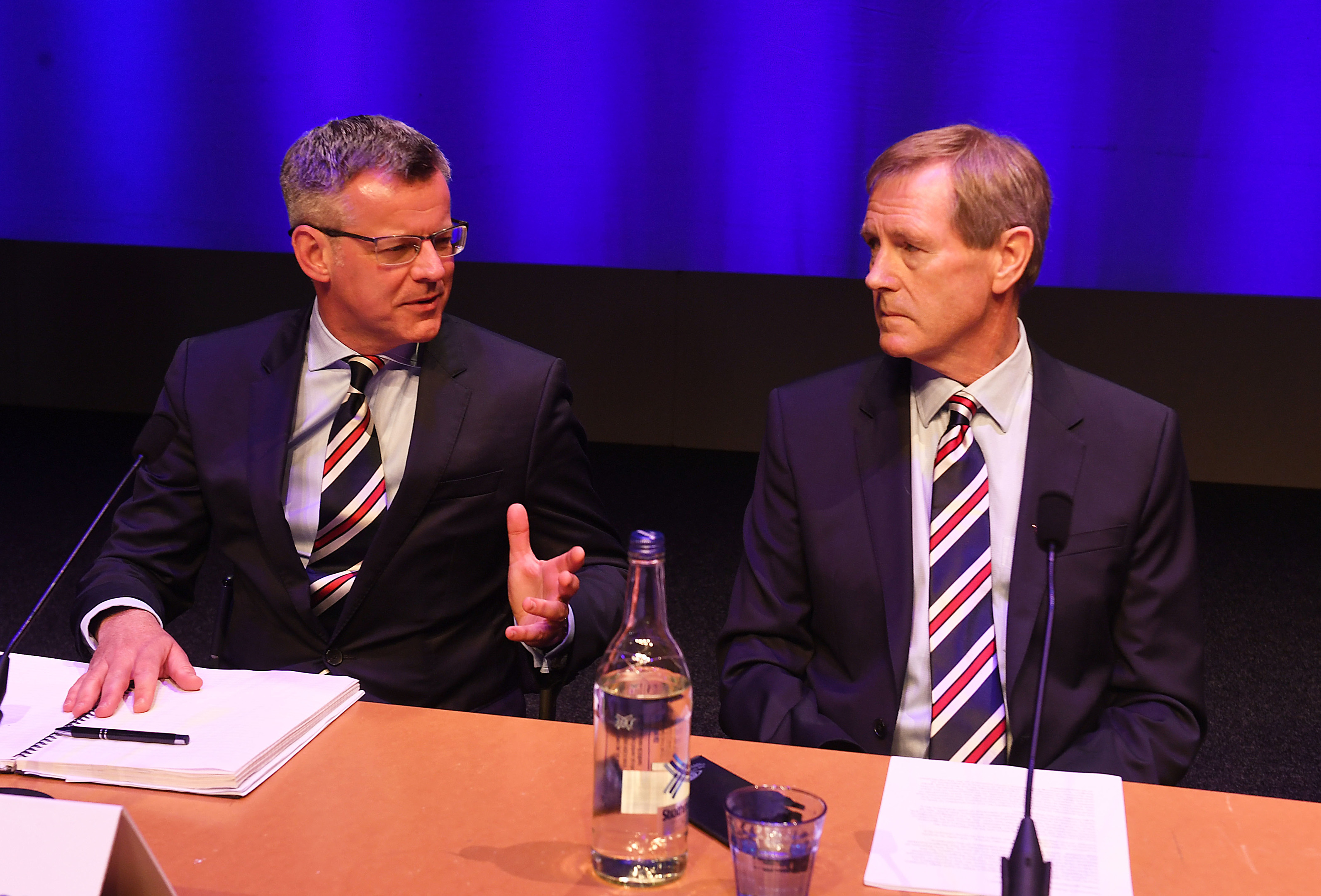 Rangers managing director Stewart Robertson (L) with chairman Dave King (SNS)
