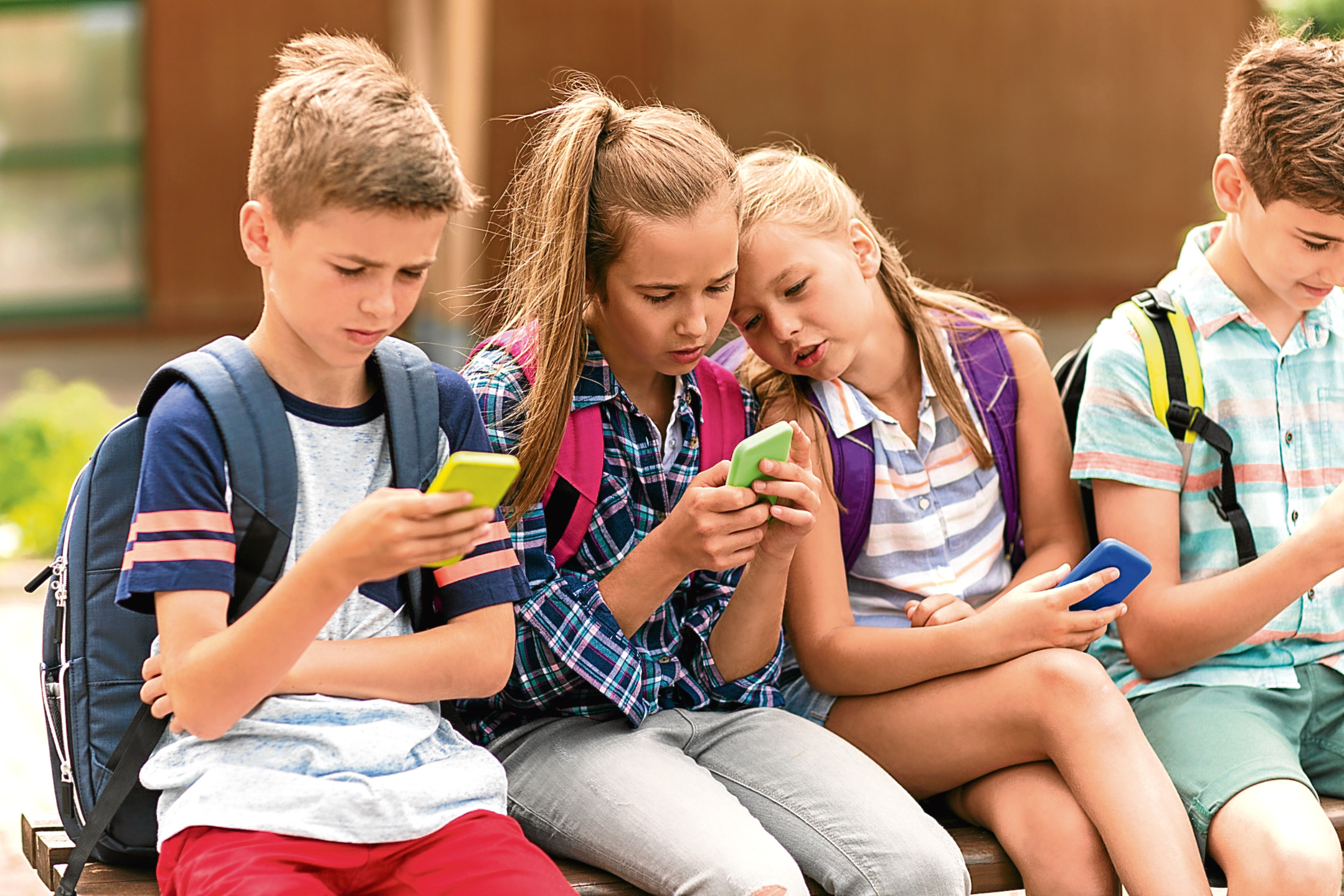 Donald Macleod is in favour of a phone ban for kids (iStock)