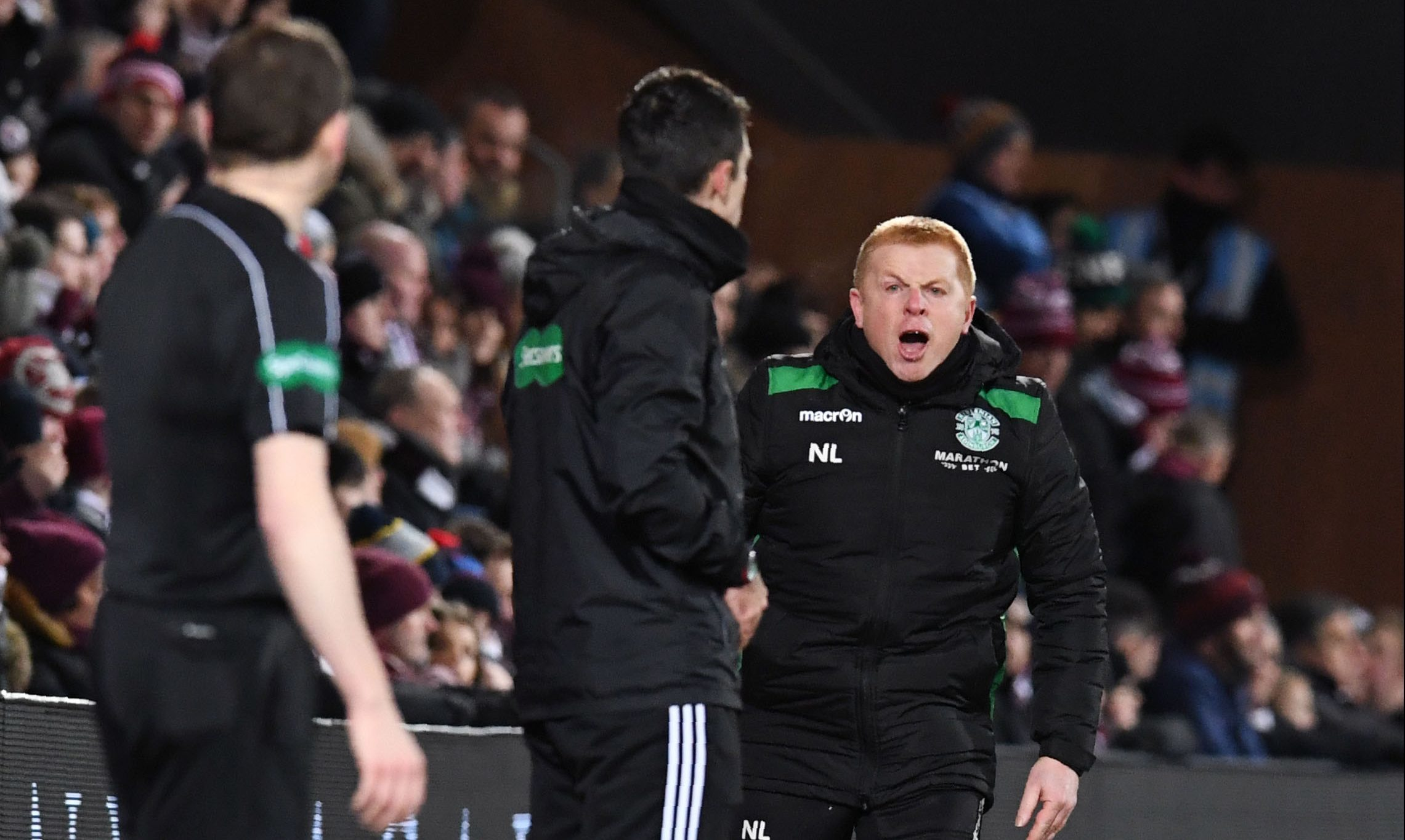 Neil Lennon cannot believe it as Oli Shaw's shot is adjudged not to have crossed the line (SNS Group / Craig Foy)