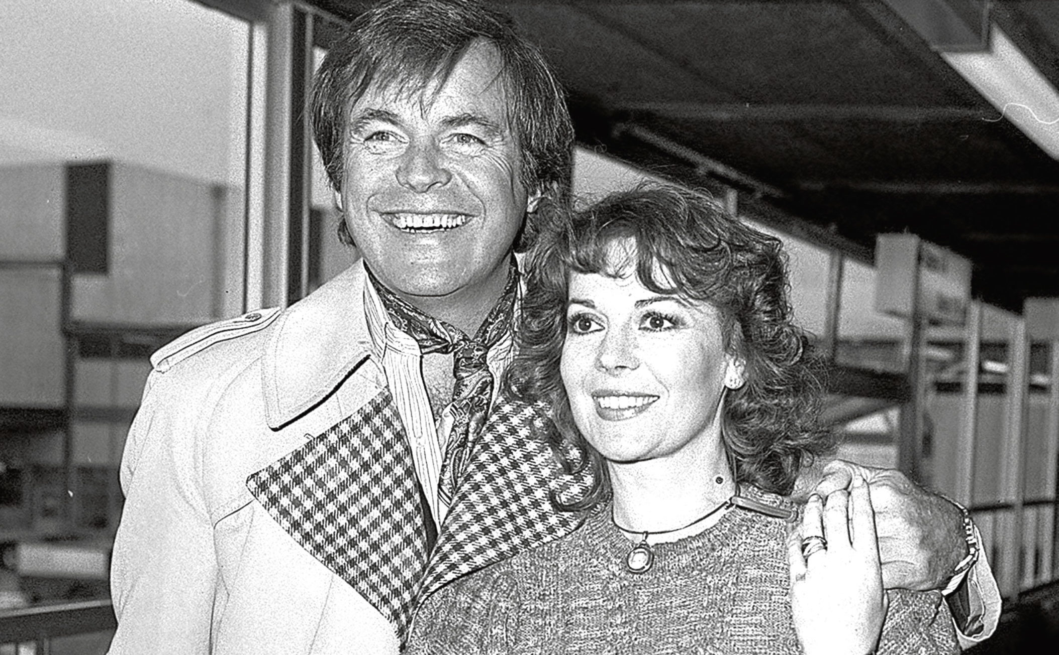 Natalie Wood with husband Robert Wagner in 1980