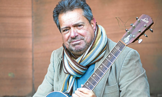 Musician Paul Murdoch has written a song about his mum having Alzheimers (Jamie Williamson)