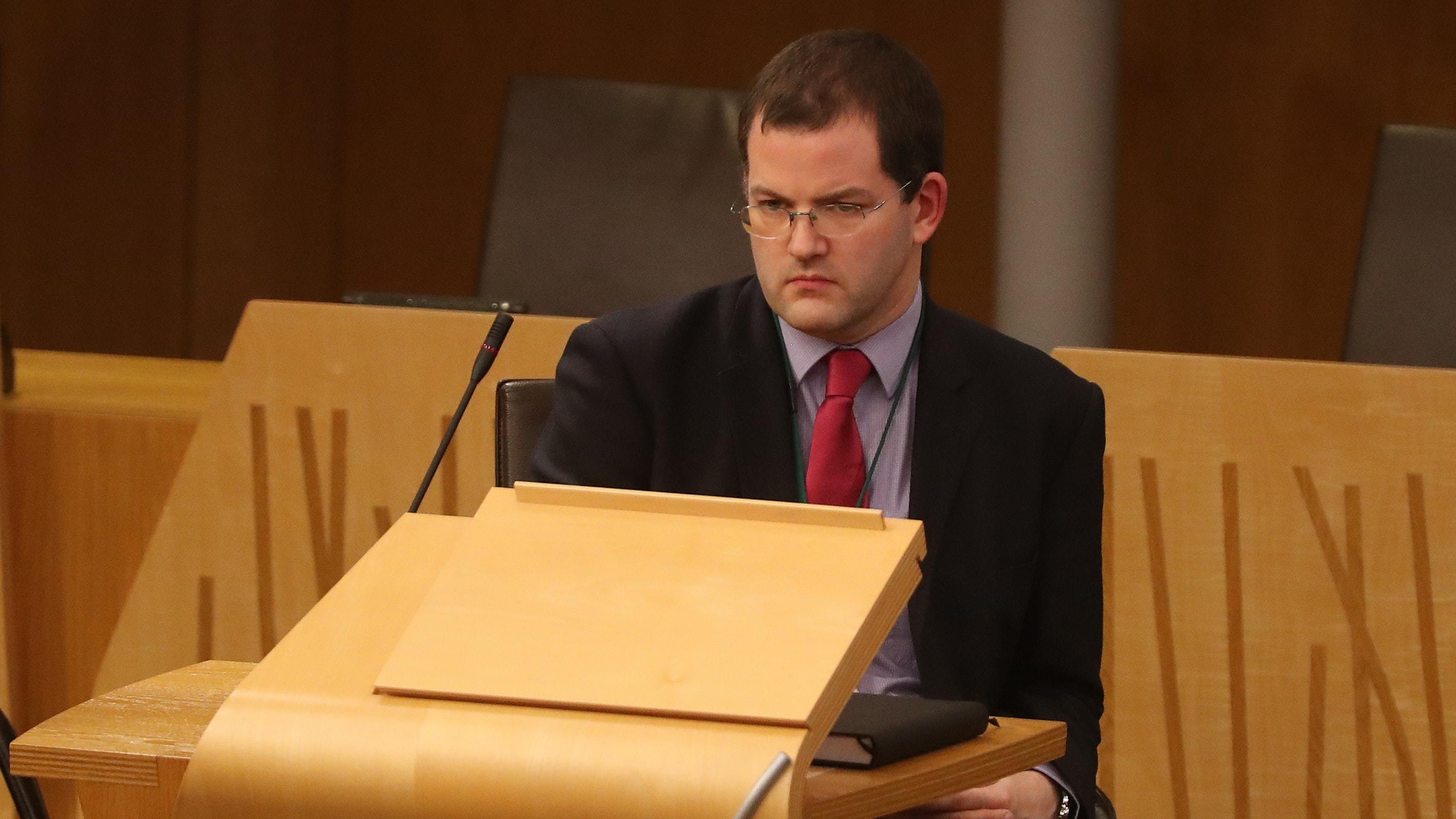 A Scottish Parliament committee wants the Commissioner for Ethical Standards in Public Life to investigate a complaint about Mark McDonald