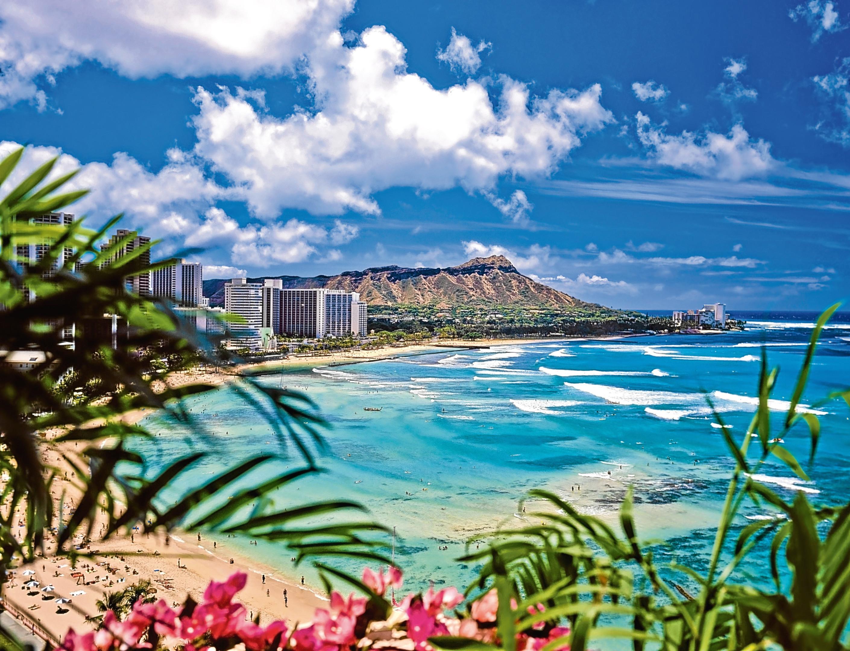 Waikiki beach and diamond head in Hawaii (Getty Images/iStock)