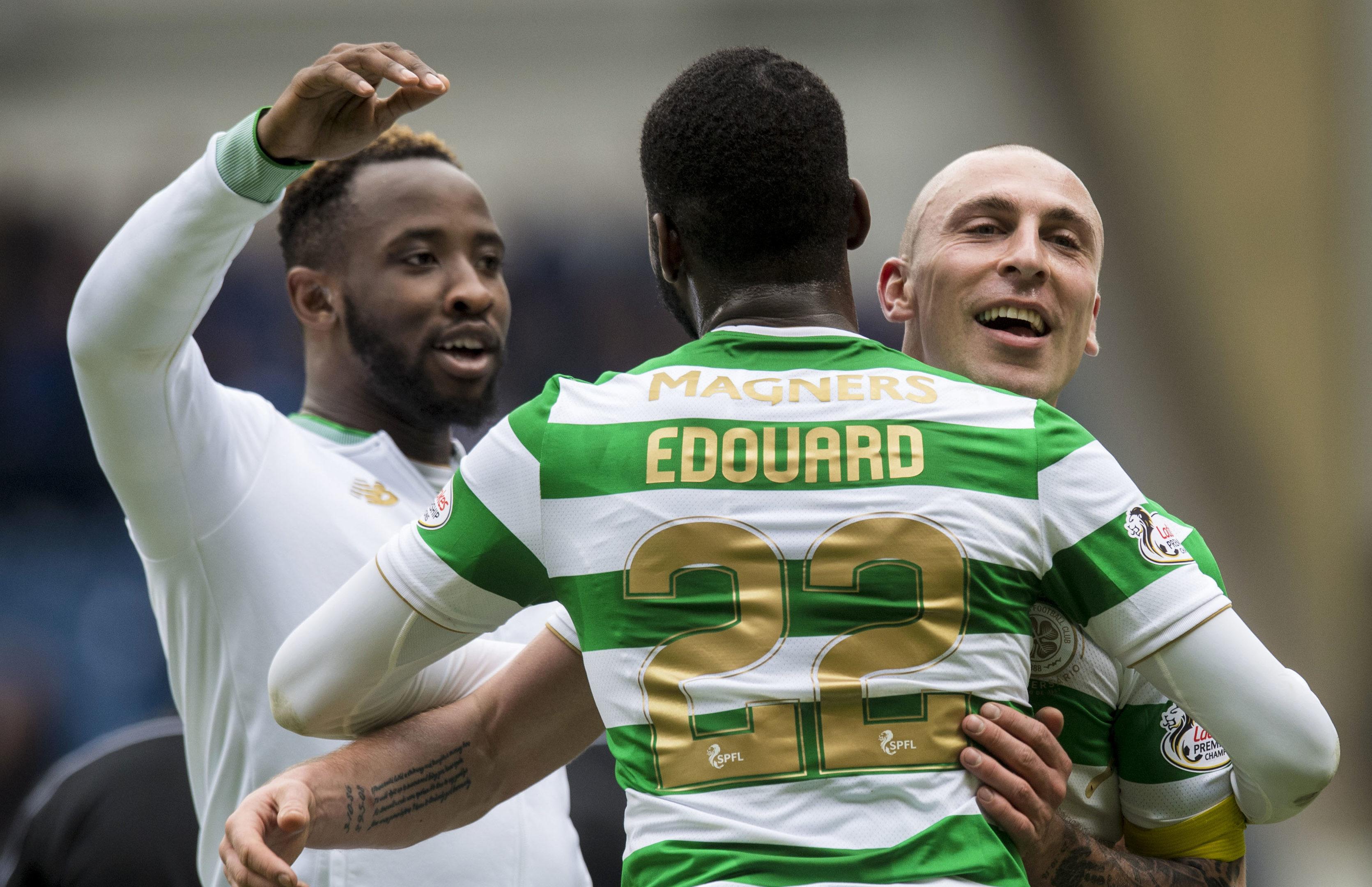 Celtic celebrate at  full time (SNS Group / Craig Williamson)
